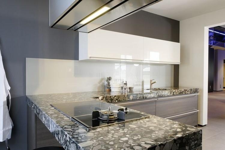 Granieten werkbladen kristal keukens gorredijk heerenveen - Granieten werkblad keuken ...